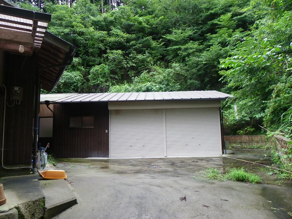 奈良の高原住宅・囲炉裏付き、菜園なども充分に可能。  奈良の高原住宅