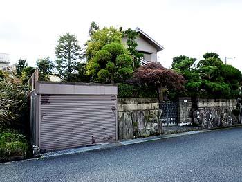 神戸市の高原住宅。庭池付きの注文建築邸宅 家庭菜園も可。大阪通勤可能。 ◎
