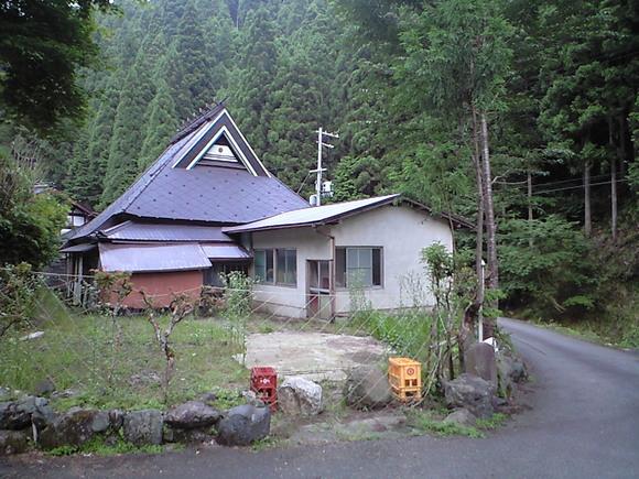 貴船神社の奥地に建つ京都古民家物件。 ◎