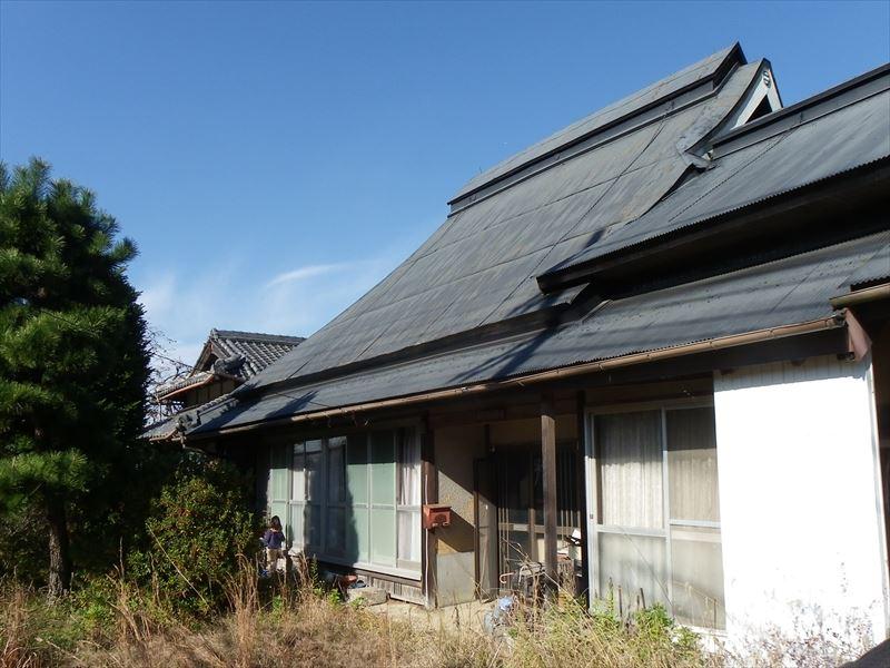 ◆ひな壇の草葺古民家、風景良好。小野市街近隣、神戸通勤可能◆ ◎ひな壇の草葺古民家、風景良好。小野市街近隣◎