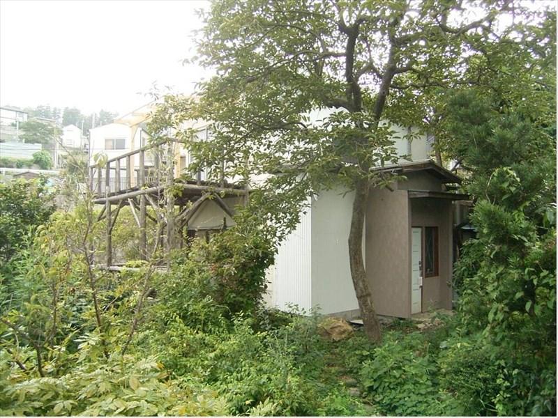 ◆岩庭の有る田舎分譲地の住宅◆ ◎岩庭の有る田舎分譲地の住宅◎